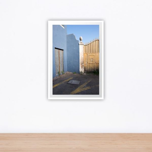 blue wall with golden gate